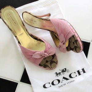 COACH Suede Pale Pink Sydnie Sandals Heels 9.5